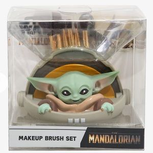 Loungefly Star Wars Baby Yoda Makeup Brush Holder